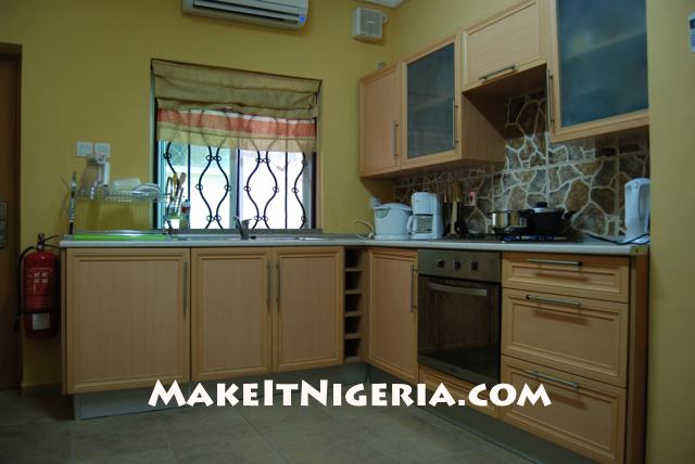 Paradise furnished rental apartment lekki phase 1 lagos for Kitchen designs in nigeria