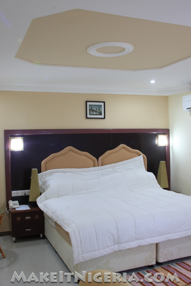 Western bathrooms - Sdm Tavern Hotel G R A Agodi Ibadan Oyo State Nigeria Make It