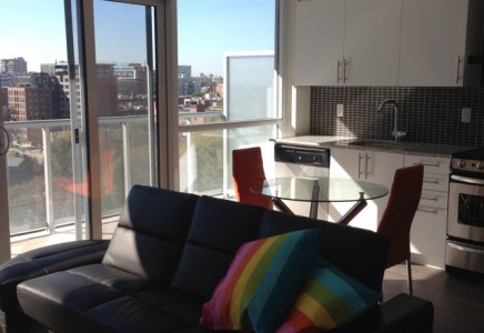 Fly Condo Furnished Holiday Apartment Rental Toronto Canada Make