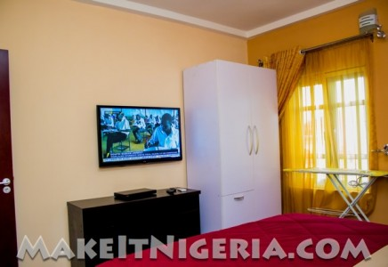 Aeroville holiday rental apartment homes magodo lagos for Apartment lease maker