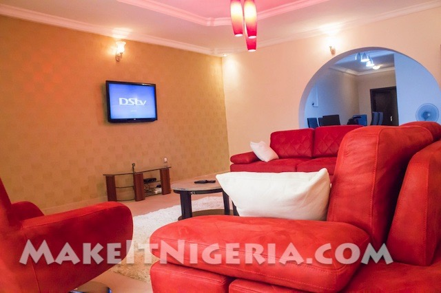 Fola s place fp2 3 bedroom short let rental apartment for Living room designs in nigeria